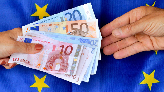 Euro hits lowest level in 9 years amidst Greece uncertainty