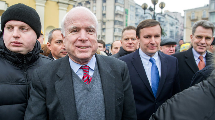 US Senator John McCain walks on Independence Square in Kiev on December 15, 2013.(AFP Photo / Volodymyr Shuvayev)