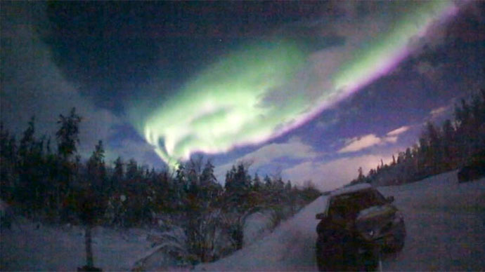 Stunning skies of bright greens: Aurora borealis illuminates Russia's north (PHOTOS, VIDEOS)