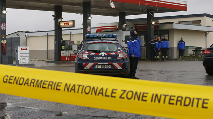 Police comb area in N. France after Charlie Hebdo shooting suspects spotted