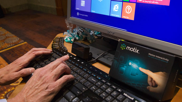 A Motix device monitors fingers and uses them as a mouse replacement during the 2015 International Consumer Electronics Show (CES) in Las Vegas, Nevada January 4, 2015.(Reuters / Steve Marcus)
