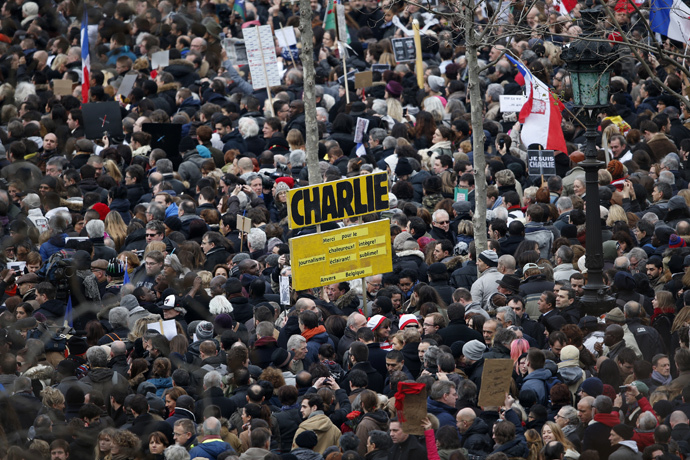 Hundreds of thousands of people gather on the Place de la Republique to attend the solidarity march (Rassemblement Republicain) in the streets of Paris January 11, 2015. (Reuters / Charles Platiau)