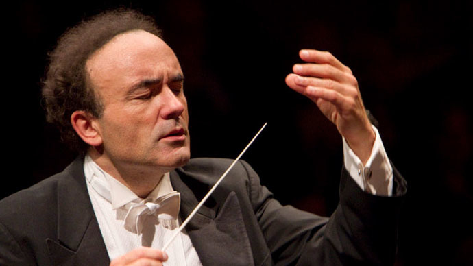 Israeli Opera refuses to pay tribute to Paris victims, French conductor protests