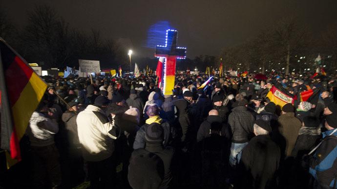 Anti-Islam & pro-tolerance demonstrators take to German streets (PHOTOS, VIDEOS)