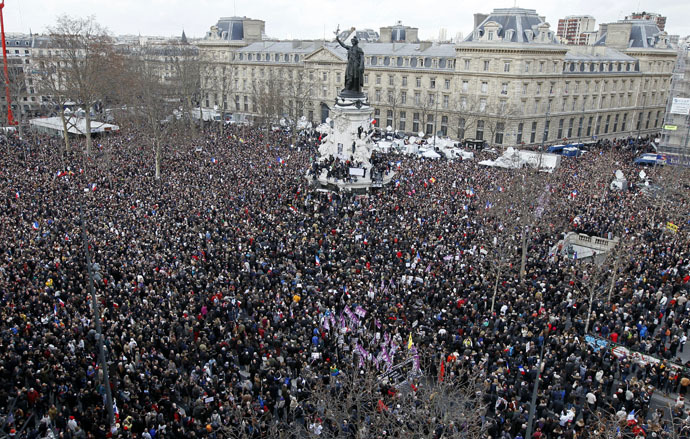A general view shows Hundreds of thousands of people gathering on the Place de la Republique to attend the solidarity march (Rassemblement Republicain) in the streets of Paris January 11, 2015. (Reuters)