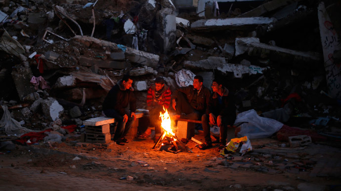 Gazans freeze amid rubble as post-war reconstruction stalls, int'l aid runs out