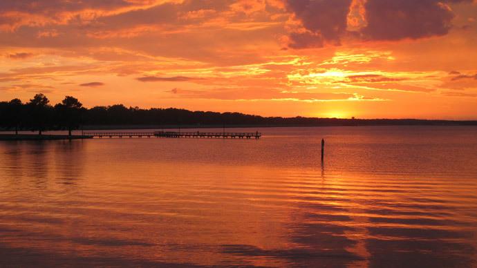 Gas pipeline explodes at Ross Barnett Reservoir in Mississippi