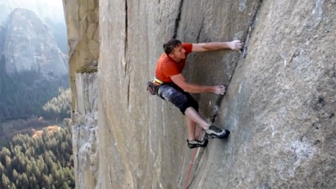 2 free climbers reach peak of Yosemite's El Capitan in historic challenge