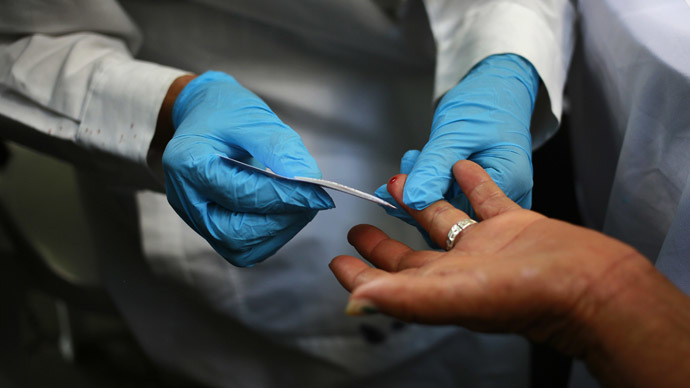 Woman in UK Midlands tested for Ebola