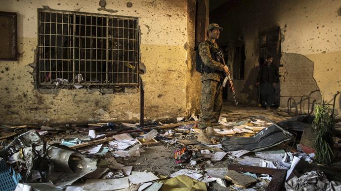 Schoolboy British jihadist handed to ISIS in prisoner exchange