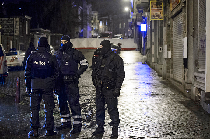 Belgian special forces police block a street in central Verviers, a town between Liege and the German border, in the east of Belgium January 15, 2015. (Reuters / Stringer)