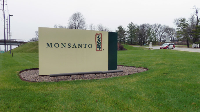 Monsanto gets approval for new GMO corn, soybeans designed for potent new biocide