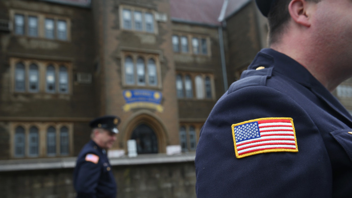 NYC hired Rikers officers with gang ties, psychological issues – report