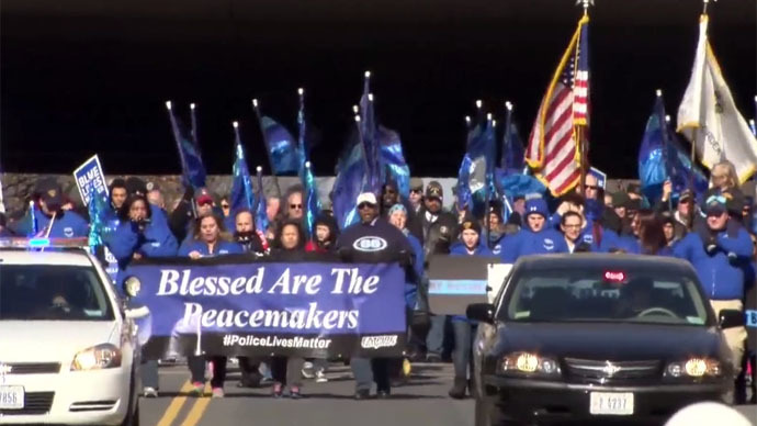 #BlueLivesMatter: Hundreds rally in support of police officers in Washington DC (VIDEO)