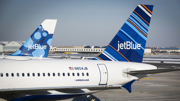 3 more planes evacuated in Seattle and Dallas after bomb threats