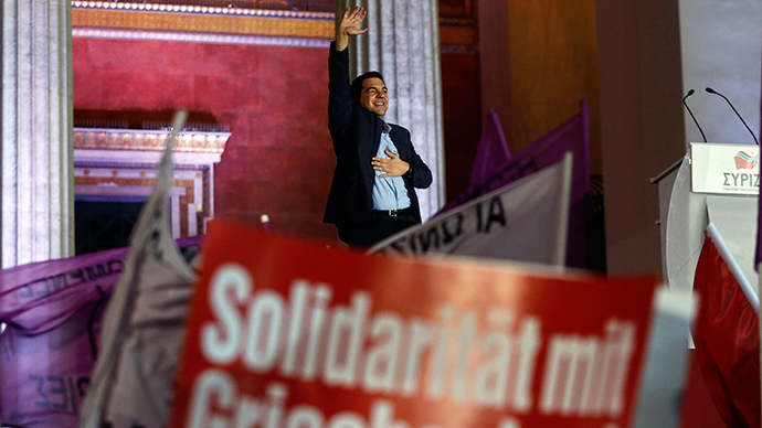 Head of radical leftist Syriza party Alexis Tsipras waves after winning elections in Athens, January 25, 2015 (Reuters / Alkis Konstantinidis)