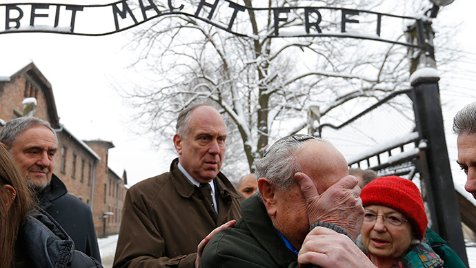 ​Rome's Jewish reps locked inside Auschwitz camp, detained after escape attempt