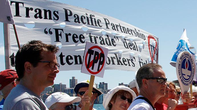 Anti-trade deal protesters hijack Senate TPP hearing