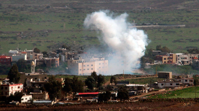 Smoke rises from shells fired from Israel over al-Wazzani area in southern Lebanon January 28, 2015. (Reuters / Karamallah Daher)