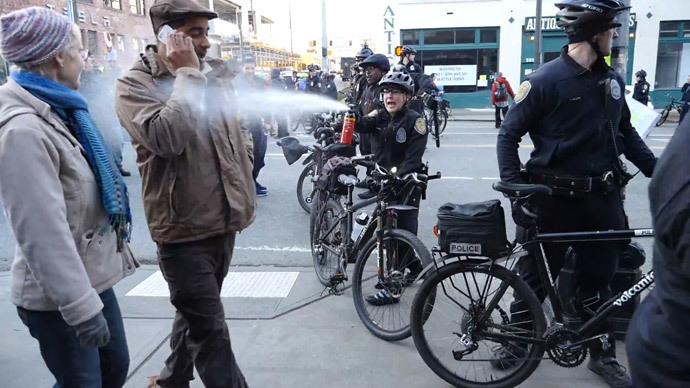 Seattle faces $500k suit for pepper-spraying school teacher (VIDEO)