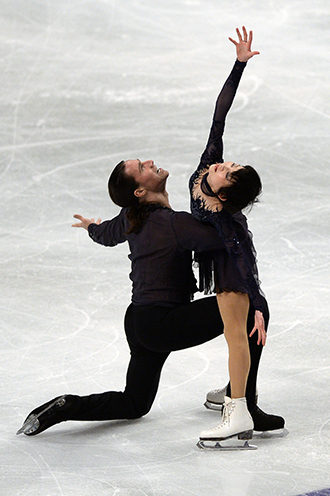 Yuko Kavaguti (R) and Aleksandr Smirnov (RIA Novosti / Vladimir Pesnya)