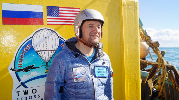 US & Russian balloonists end record-breaking flight with victorious splashdown off Mexico