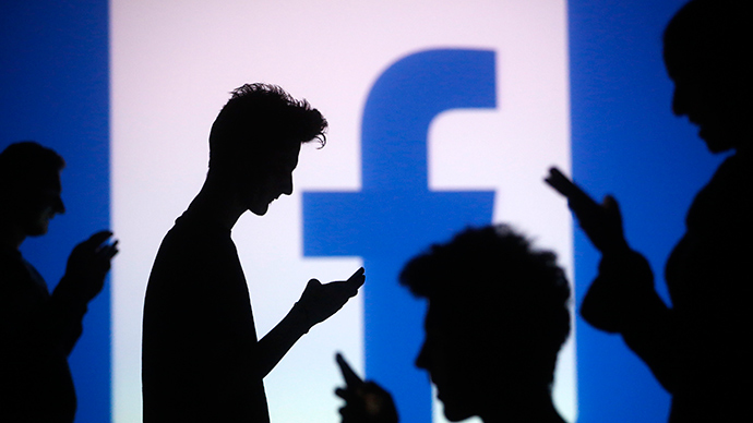 Using Facebook to spy on your 'friends' can cause depression – study