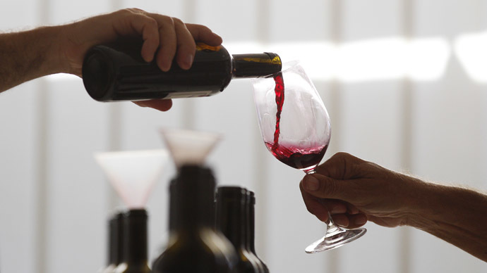 Drink some wine to boost your liver and lose weight - study