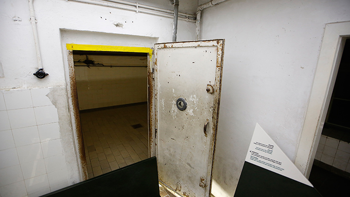 Oklahoma considering 'efficient' gas chambers for executions