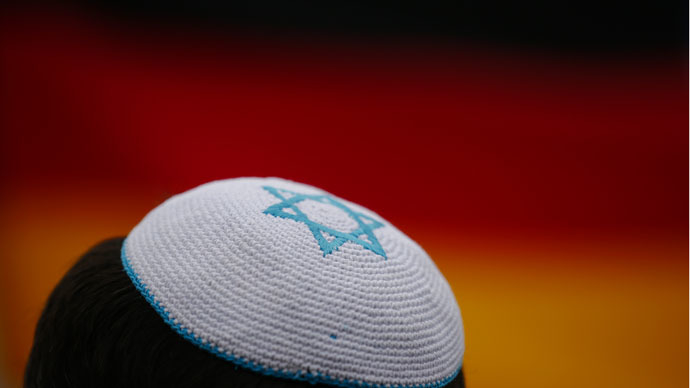 Jew-less German anti-Semitism commission spawns independent Jewish panel