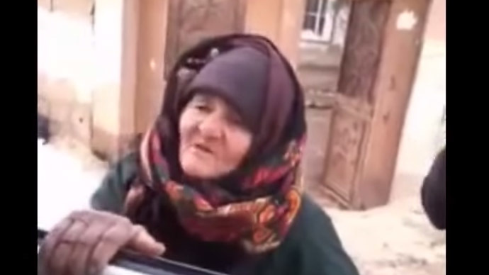 'Stop slaughter!' Syrian granny rants at ISIS fighters, calls them 'devils' (VIDEO)