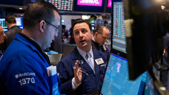 US regulators revive effort to cut Wall Street risk taking bonuses