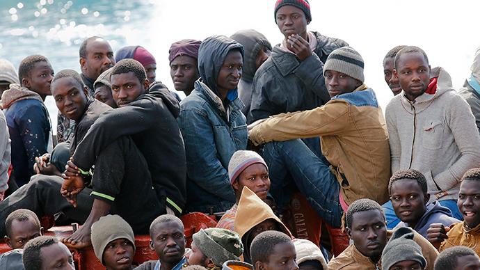 Migrants at the Sicilian harbour of Pozzallo, February 15, 2015 (Reuters / Antonio Parrinello)