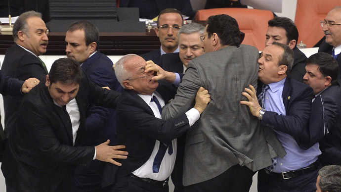 Turkish parliament in second brawl this week over controversial anti-protest bill (VIDEO)