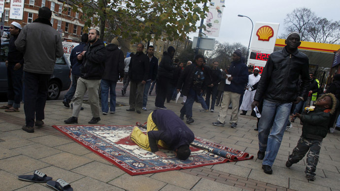 Prophet Mohammed cartoons: Most British Muslims oppose violent reaction