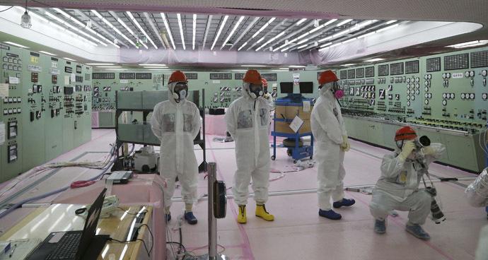 A view of the central operating control room of the No. 1 and No. 2 reactors at Tokyo Electric Power Co. (TEPCO)'s tsunami-crippled Fukushima Daiichi nuclear power plant at Fukushima prefecture. (Reuters/Koji Sasahara)