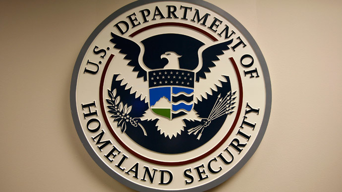 Obama signs bill to fund Department of Homeland Security for one week