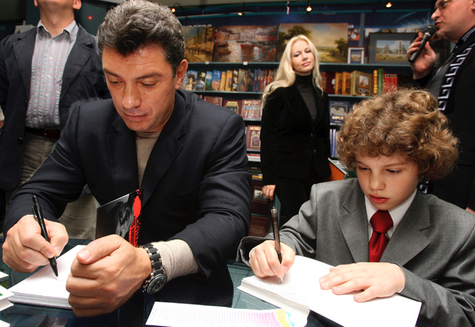 "Boris Nemtsov, one of the leaders of the Union of Right Forces [SPS] and the author of the book ""Confessions Of A Rebel,"" and his son Anton, 2007 (RIA Novosti / Mikhail Fomichev)"