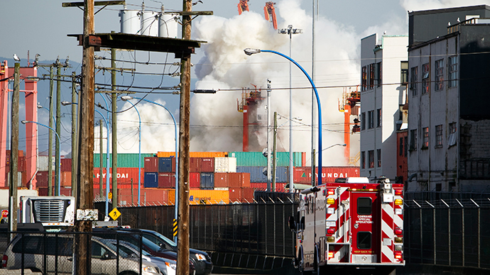 Chemical fire at Vancouver port prompts hazmat response, evacuations (PHOTOS, VIDEO)