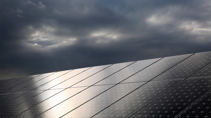 Aussies to get their first-ever floating solar panel plant