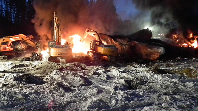 Huge fire: Train carrying crude oil derails in Canada