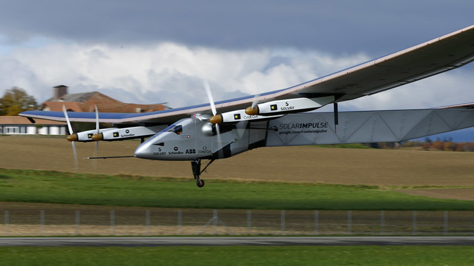Solar plane takes off on 1st ever round-the-world trip without fuel (VIDEO)