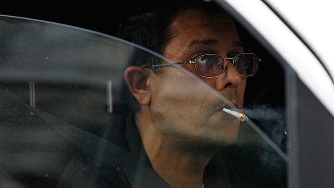 Don't smoke and drive: Russian NGO seeks tougher traffic smoking rules