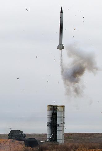 An S-300 anti-aircraft missile (RIA Novosti / Valery Melnikov)