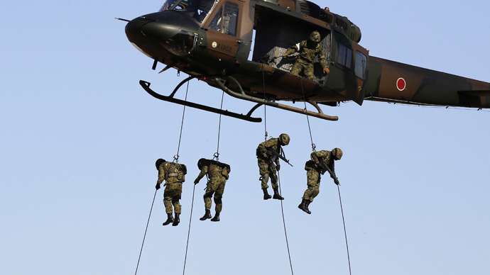 Members of Japan's Ground Self-Defense Force (Reuters / Yuya Shino)
