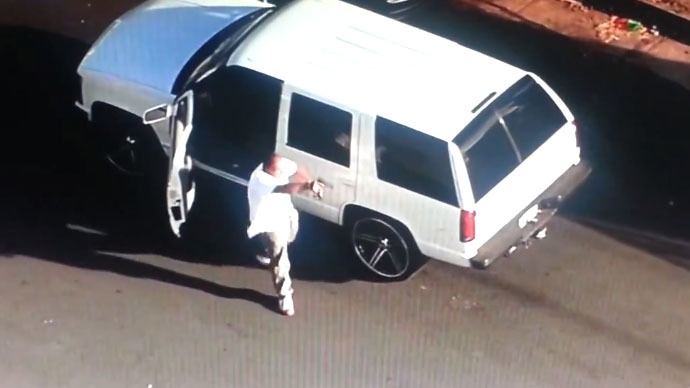 ​LA car chase ends in shootout with police on live television