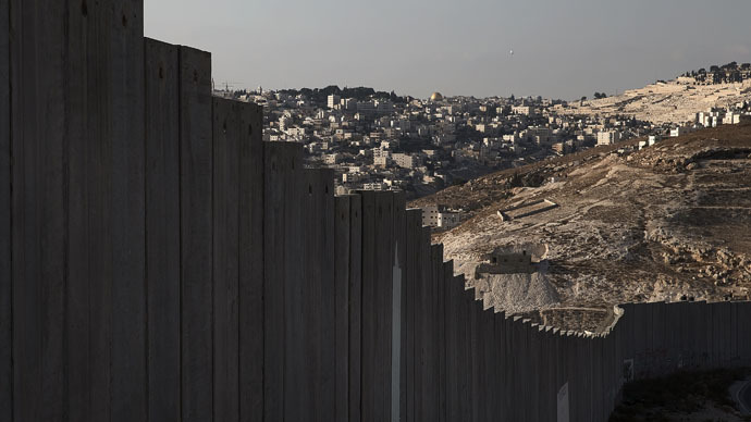 Walling in: Israel wants a new fence at only barrier-free border