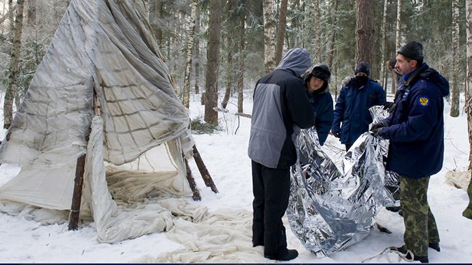 Winter survival training (Photo courtesy: Gagarin Research and Test Cosmonaut Training Center)