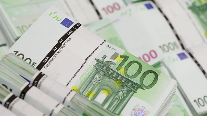 What the weak euro and strong dollar mean for the global economy