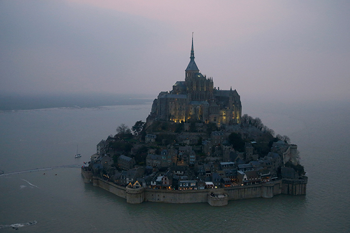 An aerial view shows the Mont Saint-Michel off France's Normandy coast March 20, 2015 (Reuters / Pascal Rossignol)